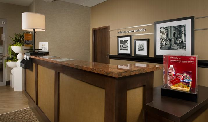 Hampton Inn & Suites San Antonio-Downtown/Market Square