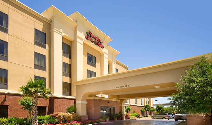 Hampton Inn & Suites San Antonio Airport
