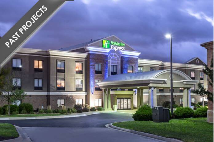Holiday Inn Express Kansas City – at the Legends